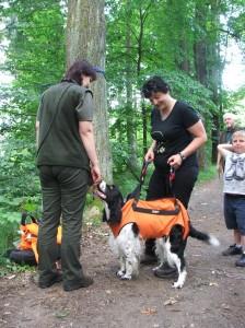 Hubert měl možnost si vyzkoušel slaňování psa a hrnul se do toho.