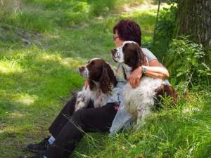 Nejkrásnější fotka srazu - Oli Kejdanová se svými ochránci Exym a Ebonym.