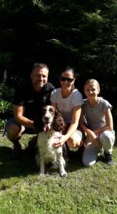 Meggie se svou milující rodinou.