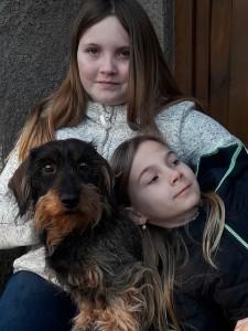 Lara z Chraštínského lesa s našimi vnučkami.